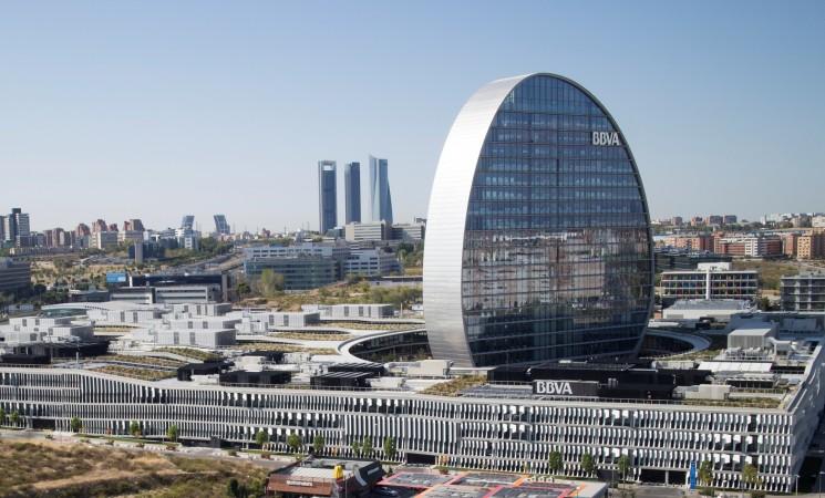 BBVA sufre pérdidas operativas de 608 millones por su negocio en España